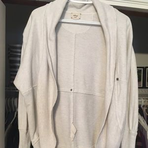 Aritzia Wilfred Diderot cocoon cardigan